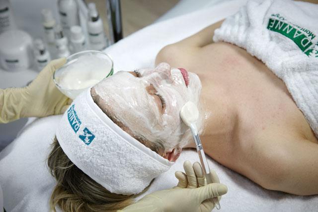 a5 Атравматическая чистка жирной кожи ДМК