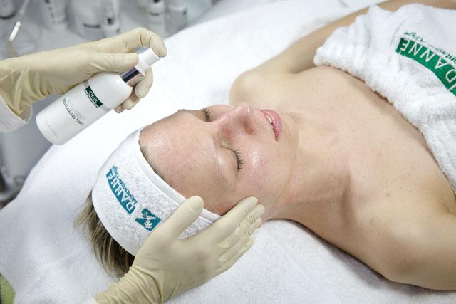 a7 Атравматическая чистка жирной кожи ДМК