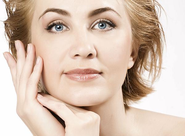 Безинъекционный, но эффективный и даже приятный метод подтяжки овала лица - это сочетание лазерного омоложения с курсом уходов Данне A-lift. Если вы не готовы к уколам, то такой метод для вас! Эффективность гарантирована даже для дам в возрасте 60-ти лет! А цвет, текстура и качество кожи заметно улучшаться уже после первых процедур!